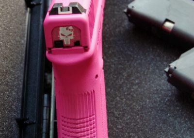 Malowanie Cerakote kolor Prison Pink